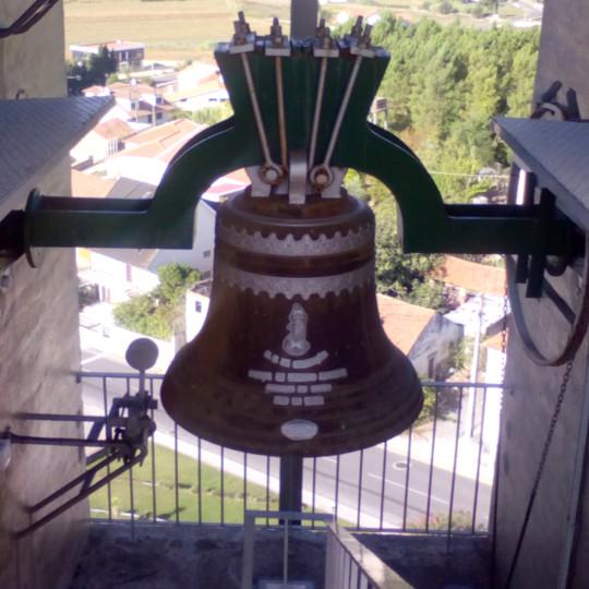 Sino com martelo de picar na Igreja de Santa Eufémia em Leiria