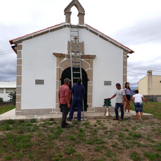montagem-de-sino-em-capela