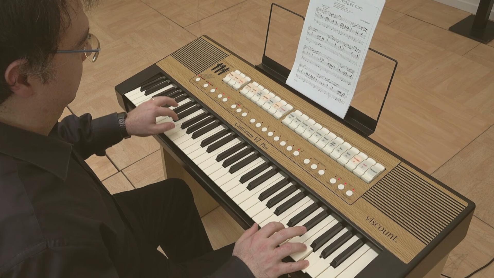 órgãos portáteis para igreja